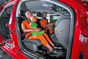 Crashtest: Kindersicherheit im Auto