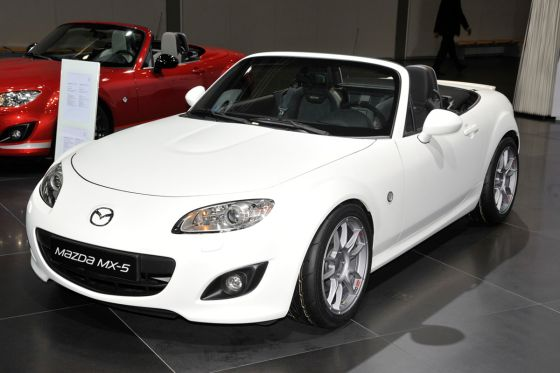 mazda mx 5 yusho auf der ami 2012. Black Bedroom Furniture Sets. Home Design Ideas