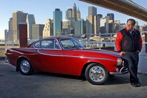 Irvin Gordon mit seinem Volvo P1800