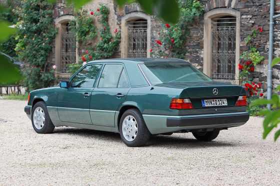 Klassiker F 252 R 5000 Euro Mercedes 300 E W 124 Auto