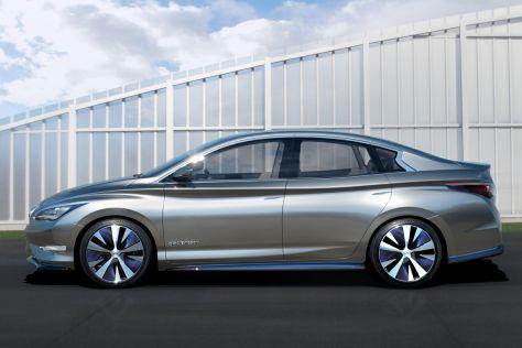 Infiniti LE Concept: New York Auto Show