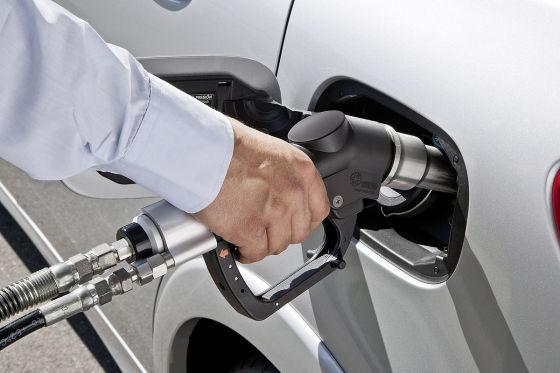 Mercedes B 200 Natural Gas Drive: Autosalon Paris 2012