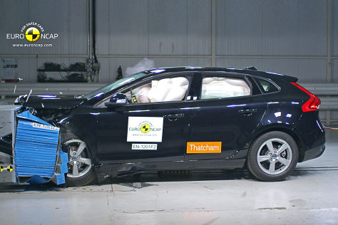 Volvo V40 im Euro NCAP Crashtest August 2012