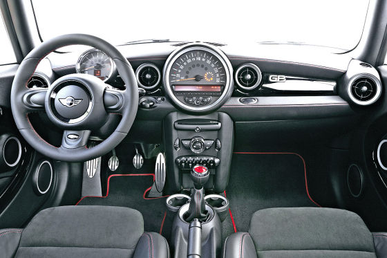 mini john cooper works gp autosalon paris 2012. Black Bedroom Furniture Sets. Home Design Ideas