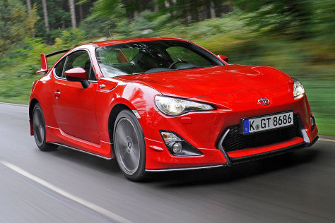 toyota gt86 mit aeropaket test. Black Bedroom Furniture Sets. Home Design Ideas