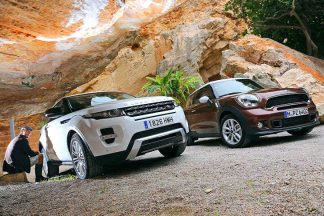 Video: Mini Paceman vs. Range Rover Evoque