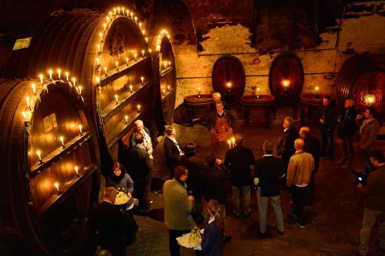Ausklang im gigantischen Weinkeller der Würzburger Residenz.