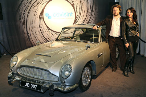 James Bond und sein Aston Martin DB5