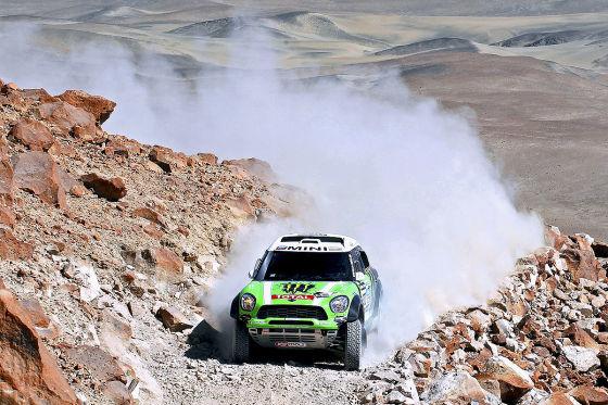 Stephane Peterhansel im Mini All4 Racing auf dem vorletzten Teilstück bei der Rallye Dakar 2013