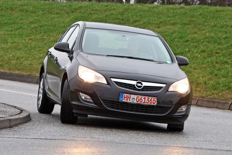 opel astra j im gebrauchtwagen test. Black Bedroom Furniture Sets. Home Design Ideas