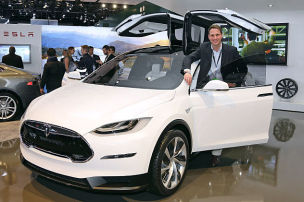 Stromkasten Nr. 199: Tesla Model X in Detroit
