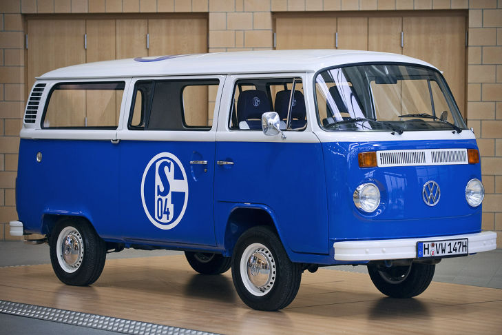 VW T2 Bus Schalke 04