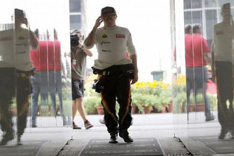 Kimi Räikkönen befindet sich ständig auf der Flucht vor den Medienvertretern