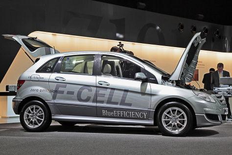 Brennstoffzelle unter dem Sitz in Mercedes-Benz B-Klasse F-CELL