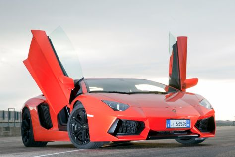 Lamborghini Aventador LP 700-4 
