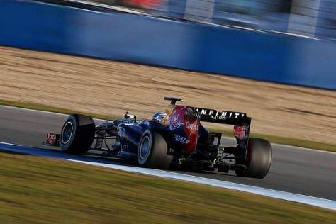 Red Bull RB9 in Jerez: Sebastian Vettel ist schnell und konstant unterwegs