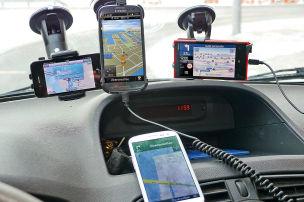 Vier Handy-Navis im Test