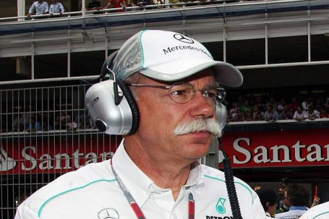 Dieter Zetsche erwartet in dieser Saison &quot;keine Wunder&quot; vom Mercedes-Team