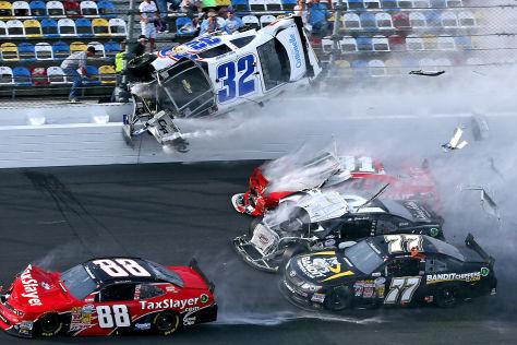 NASCAR 2013: Schwerer Unfall