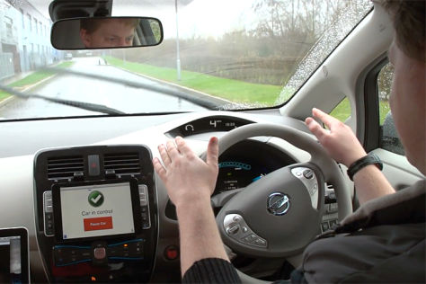 Autonom fahrender Nissan Leaf der Uni Oxford