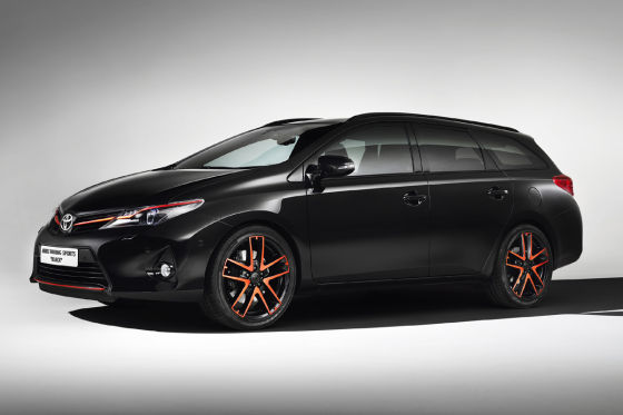 toyota auris touring sports black autosalon genf 2013. Black Bedroom Furniture Sets. Home Design Ideas