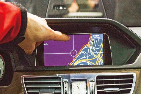 Daimler integriert TomTom HD Traffic