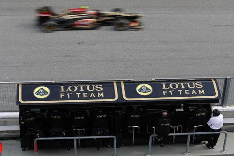 Das Lotus-Team benötigt frisches Geld, will man um den Titel fahren