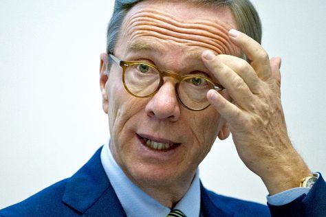 VDA-Präsident Wissmann kritisiert Autofahrerkosten