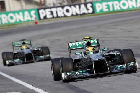 Einholen ohne zu überholen - Nico Rosberg musste im Rückspiegel bleiben