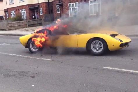 Lamborghini Miura brennt aus