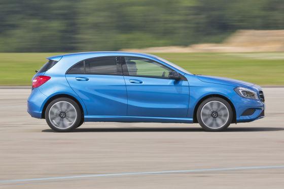 Mercedes A-Klasse blau Seitenansicht