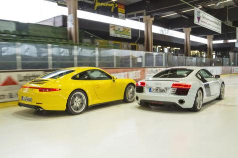 Audi R8 V8 Coupe Porsche 911 carrera 4S
