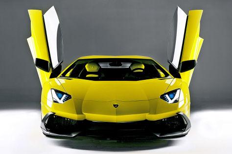 Lamborghini Aventador LP 720-4: Shanghai Auto Show 2013