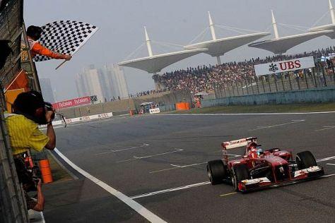 In Schanghai holte sich Fernando Alonso seinen ersten Sieg seit Hockenheim 2012