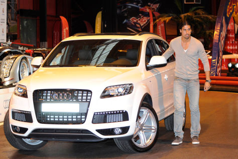 Sami Khedira (Real Madrid) vor seinem Audi Q7