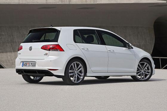 VW Golf VII Heckansicht R-Line Exterieur Paket