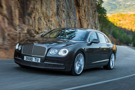 Bentley Flying Spur Facelift fahrend Frontansicht