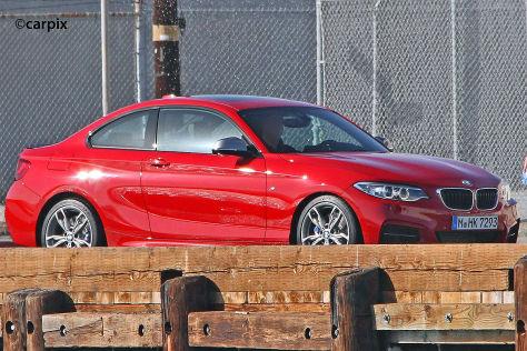 BMW 2er Coupé ungetarnt Seitenansicht