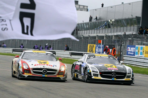 Mercedes SLS des Tea,s Black Falcon beim 24h-Rennen beim Nürburgring