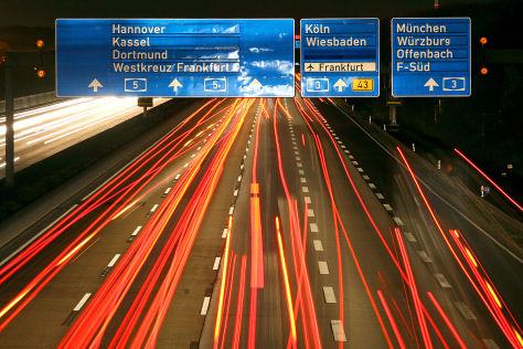 Conti glaubt an vollautomatisierten Autobahnverkehr von 2025 an