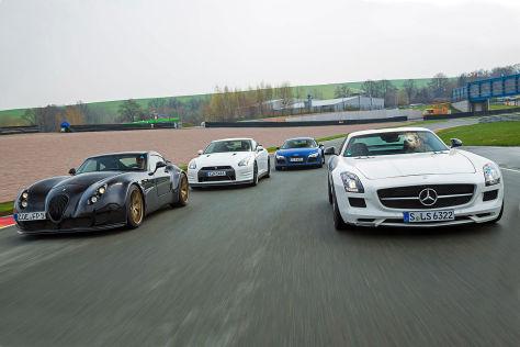 Wiesmann GT MF5 Nissan GT-R Audi R8 V10 plus Mercedes SLS AMG GT