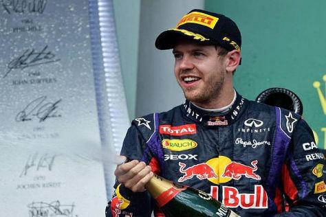 Sebastian Vettel durfte in Montreal erstmals als Sieger Champagner spritzen