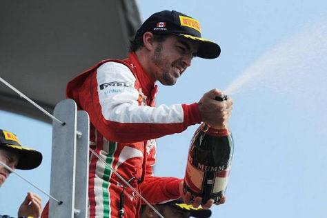 Nur nicht sparsam sein: Fernando Alonso kann sich reichlich Edelbrause leisten