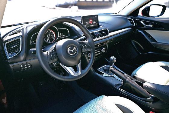 Mazda3 Cockpit Innenraum