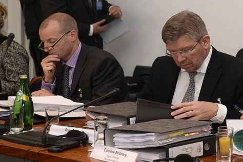 Bei der Verhandlung in der Defensive: Mercedes-Anwalt Harris und Brawn