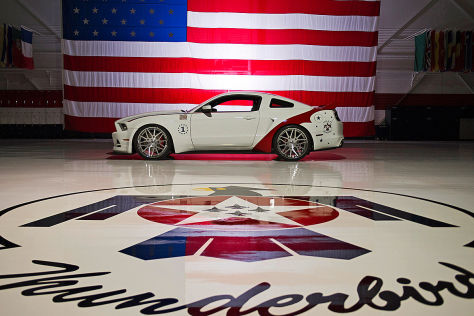 Ford Mustang GT US Air Force Thunderbirds Edition 2014