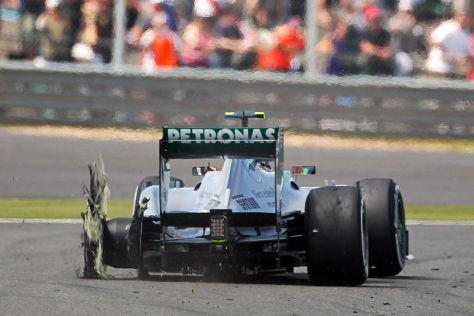 Lewis Hamilton beim Großen Preis von Großbritannien nach einem Reifenplatzer