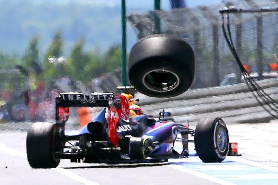 Mark Webber (Red Bull Team) verliert Hinterrad