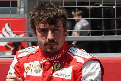 Fernando Alonso muss zusehen, wie Vettel einmal mehr auf und davon fährt