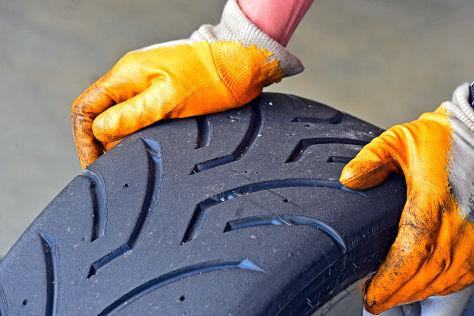 AUTO BILD SPORTCARS: Semislicks Reifentest
